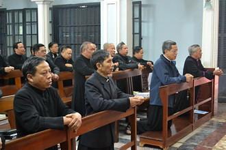 Phóng sự ảnh: Những sinh hoạt chính trong 1 ngày tĩnh tâm của linh mục đoàn